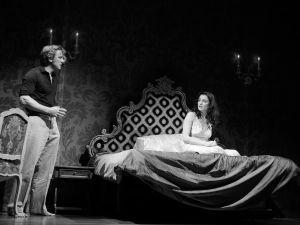 Daniel Craig as Robert and Rachel Weisz as Emma in Betrayal. (Photo by Brigitte Lacombe)