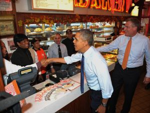 President Obama and Bill de Blasio at Junior's in Brooklyn (Photo: Mandel Ngan for AFP/Getty Images)