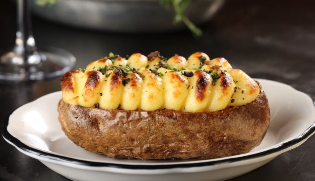 Baked stuffed crisped potato at Rotisserie Georgette (Photo by M. Hom)