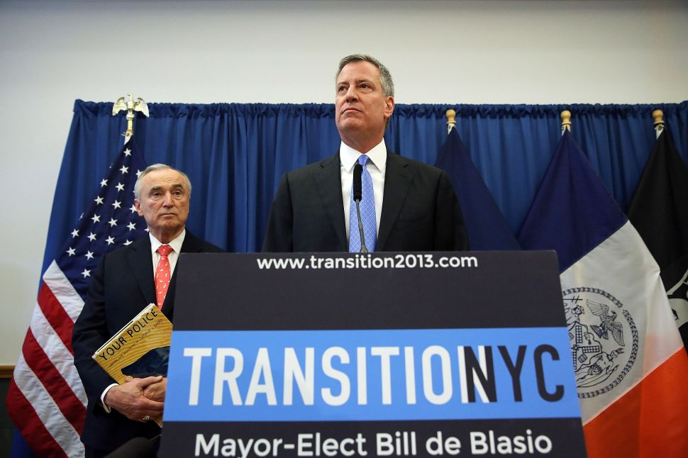 De Blasio Says No Contradiction in Picking 'Progressive Visionary' Bratton