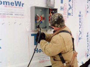 Keeping electrical work clean. (flickr)
