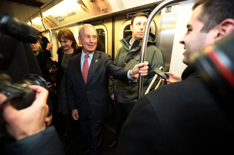 Mayor Bloomberg Says Goodbye, Takes the Subway Home