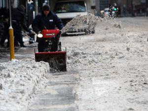 Snow removal in Manhattan last week. (Photo: Getty)