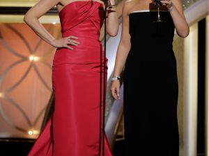 Tina Fey and Amy Poehler at the Golden Globes. (Getty Images)