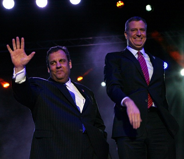 Bill de Blasio and Chris Christie Look Chummy at Super Bowl Kick-Off Party