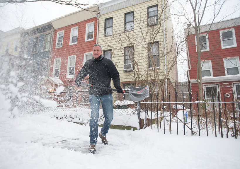 Snowstorm Provides Early Chance for Bill de Blasio to Look Mayoral