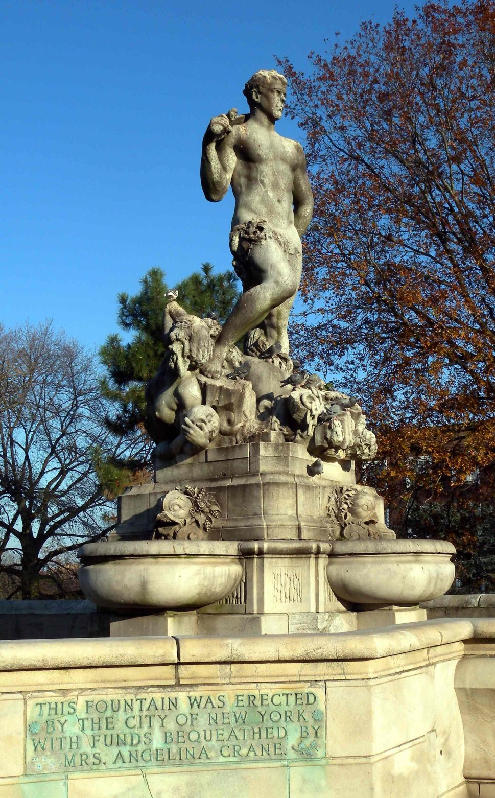 Somewhat Sexist Statue Seriously Not Welcome in Queens