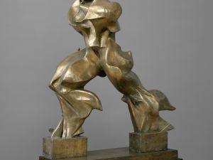 'Unique Forms of Continuity in Space (Forme uniche della continuità nello spazio),' 1913 (cast 1949) by Umberto Boccioni. (© The Metropolitan Museum of Art, courtesy the Solomon R. Guggenheim Foundation, New York)