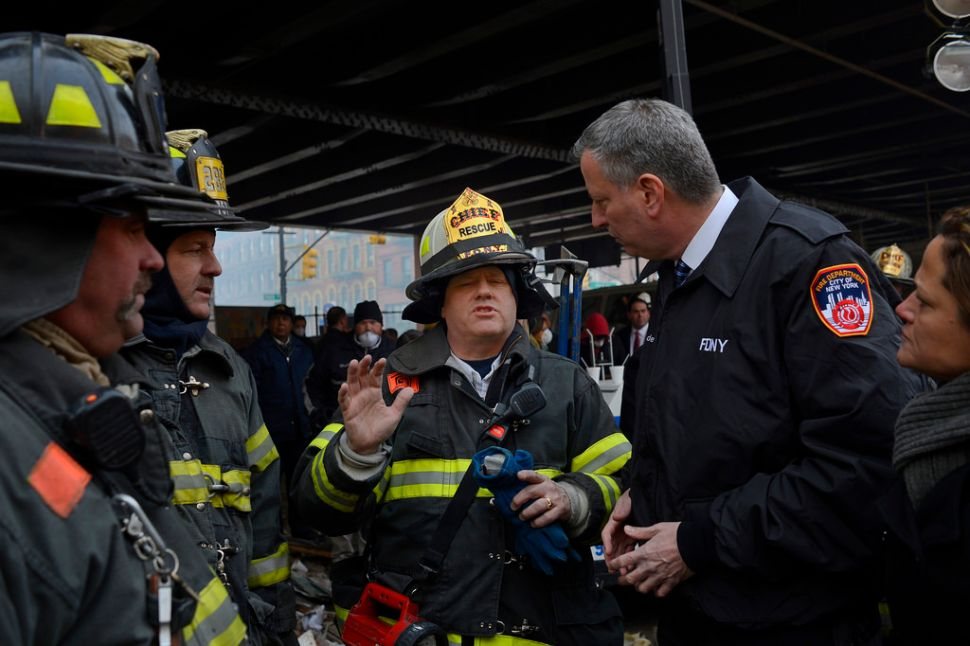 De Blasio Returns to Tour Harlem Explosion Site
