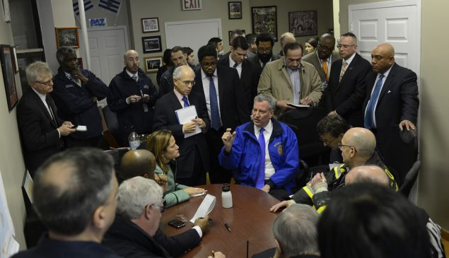 Bill de Blasio being briefed on today's explosion. (Photo: Rob Bennett/NYC Mayor's Office)