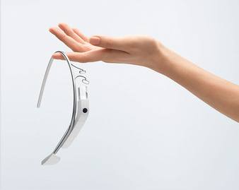You Can Now Buy a Totally Fake, Plastic Google Glass Replica Online
