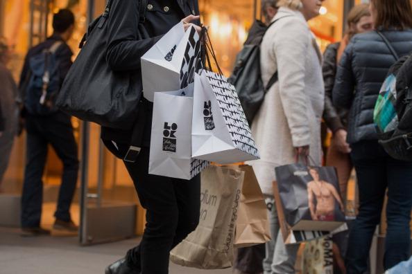 Chinese Prisoner Sneaks S.O.S. in Saks Shopping Bag
