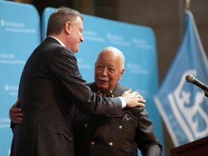 Mayor Bill de Blasio embracing David Dinkins (Photo: Twitter/NYCMayorsOffice).