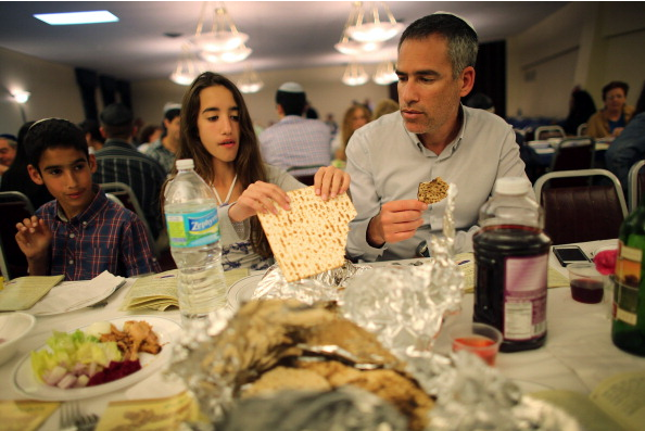 #PesachProblems: Jews Are Live-Tweeting Their Passover Seders