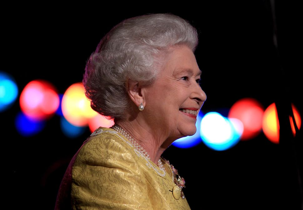 Netflix to Purchase Queen Elizabeth For One Million Pounds