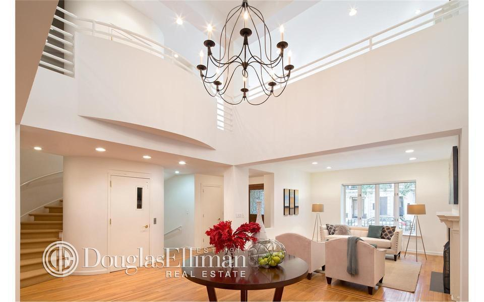 Take and Leave With: Ex-Bear Stearns Honcho Sells UWS Townhouse for $9.8 M.