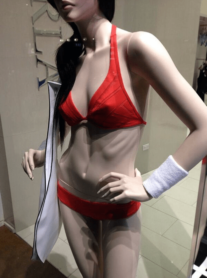 The Lovely Bones: La Perla Removes Rib-Baring Mannequin After Outcry