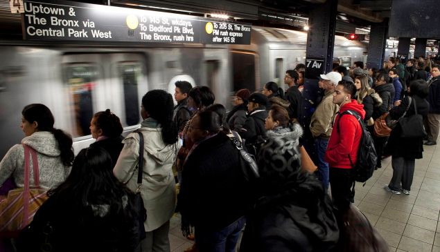 The subway system stopped completely underground. (Photo by Allison Joyce/Getty Images)