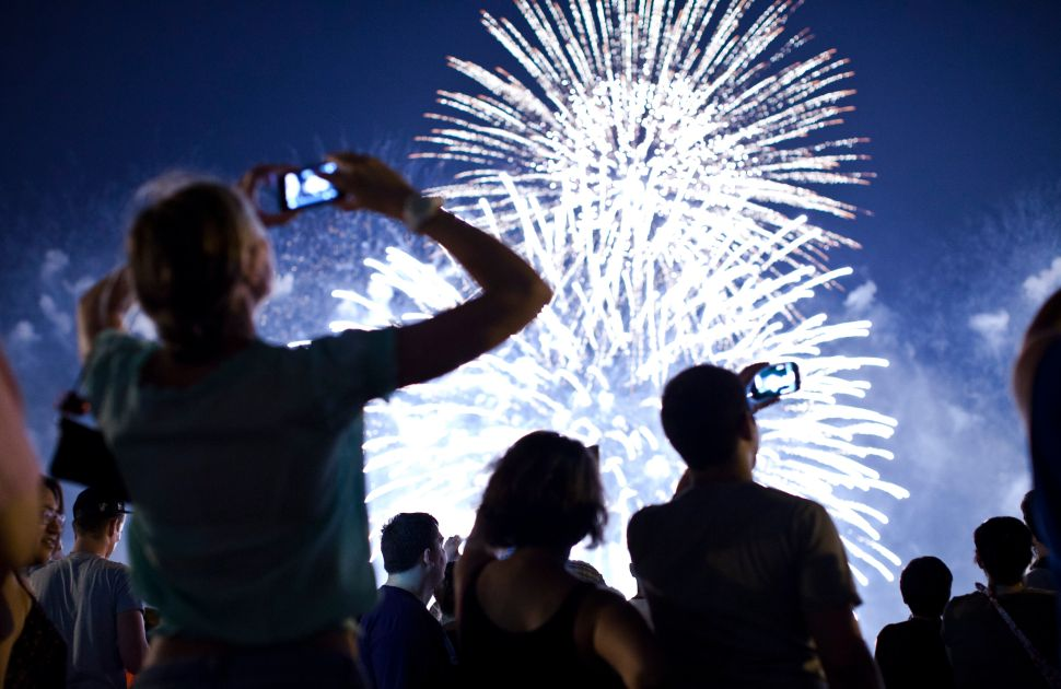Launch Fireworks From Your Phone (and Keep Your Fingers) This Fourth of July