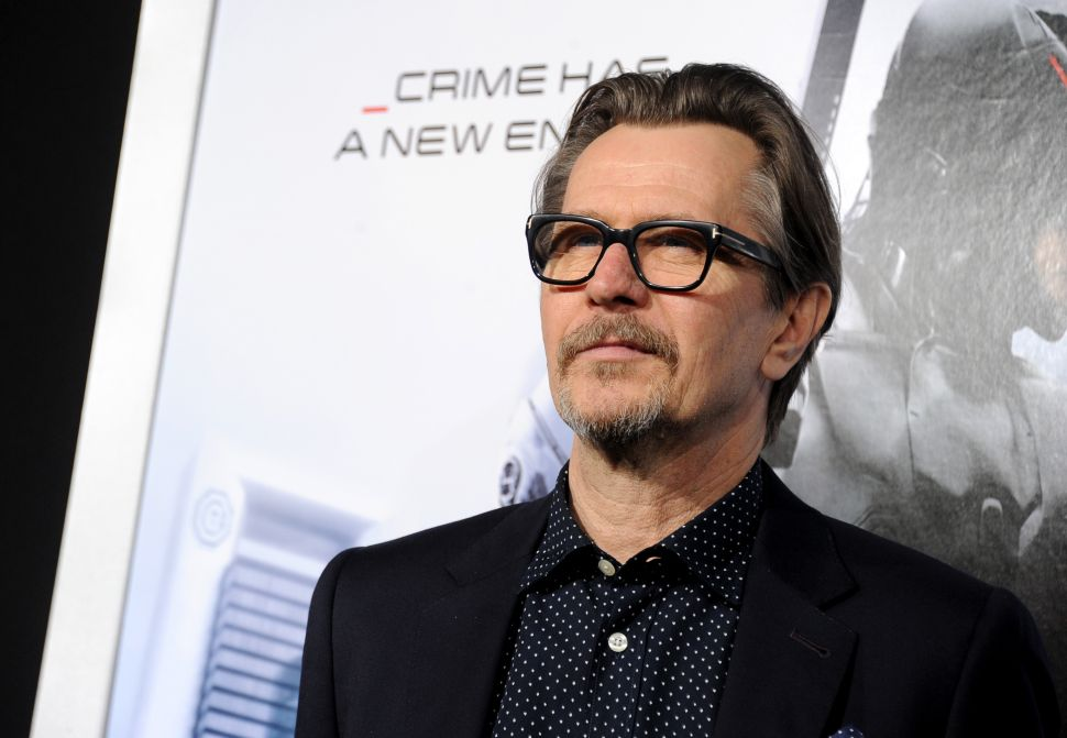 Gary Oldman's Apology to the Anti-Defamation League, Translated in GIFs