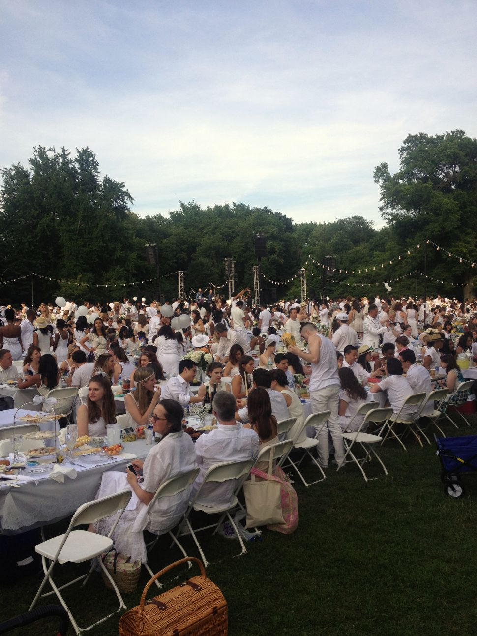 Brooklyn White-Out Dinner Brings Out the Bourgeoisie in All of Us