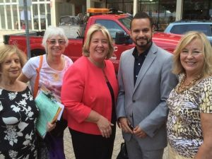 Rebecca Seawright (center) with State Senator Jose Serrano Jr. (Photo: Twitter)
