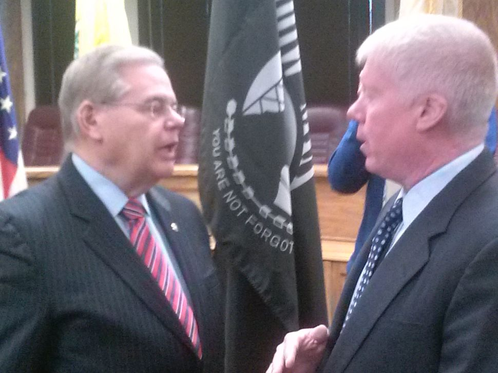 Pursuing homeowners' relief, Menendez wants HUD to examine NJ's Sandy funding distribution