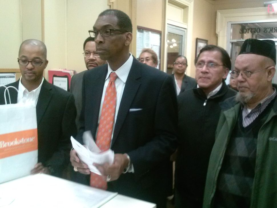In Paterson, Jones submits 1,125 petition signatures in pursuit of re-election