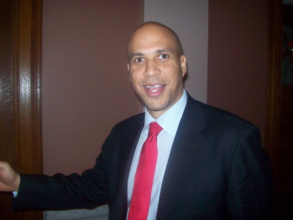 Booker and team of nine councilmembers pick up petitions to run again