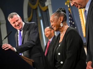 Mayor Bill de Blasio with DC 37 Executive Director Lillian Roberts today. (Photo: NYC Mayor's Office)