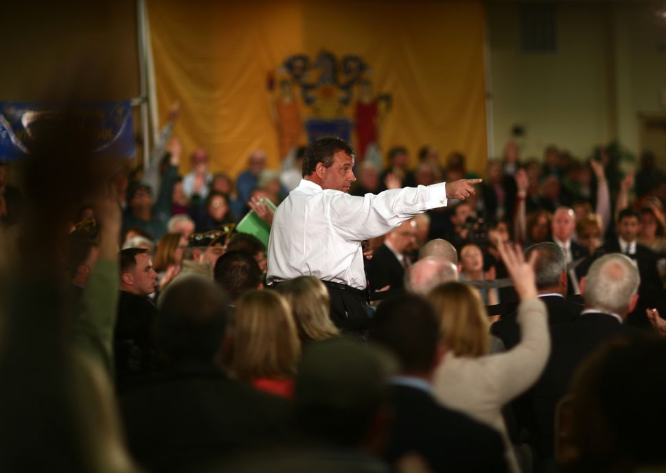 Protesters again crash Chris Christie town hall (video)