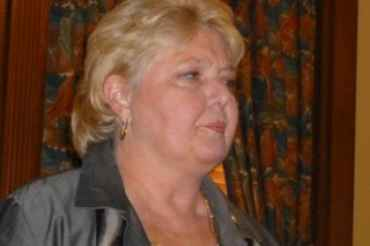 Sen. Diane Allen wants to keep witness tampering rules strong