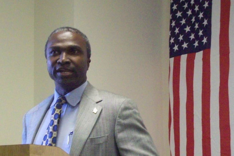 In campaign HQ opener, Mapp appeals to 4th Ward, emphasizes tough background