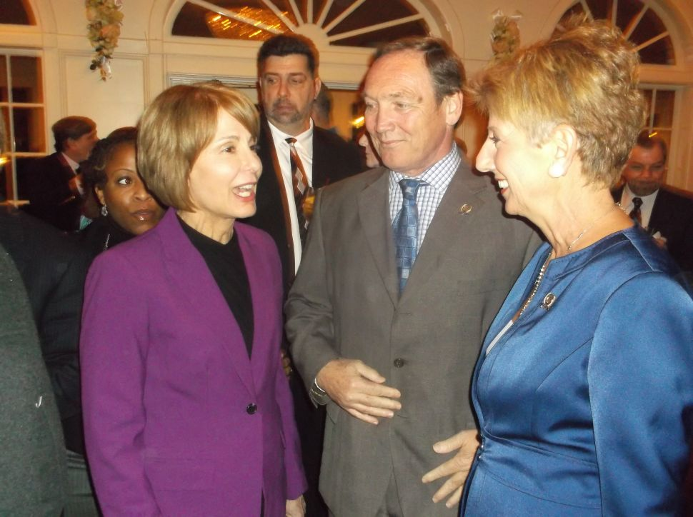 Running against Christie, Buono faces Dem Party mechanical challenges