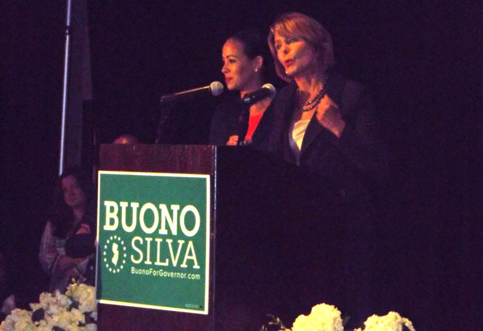 Silva goes after Christie at LG campaign launch