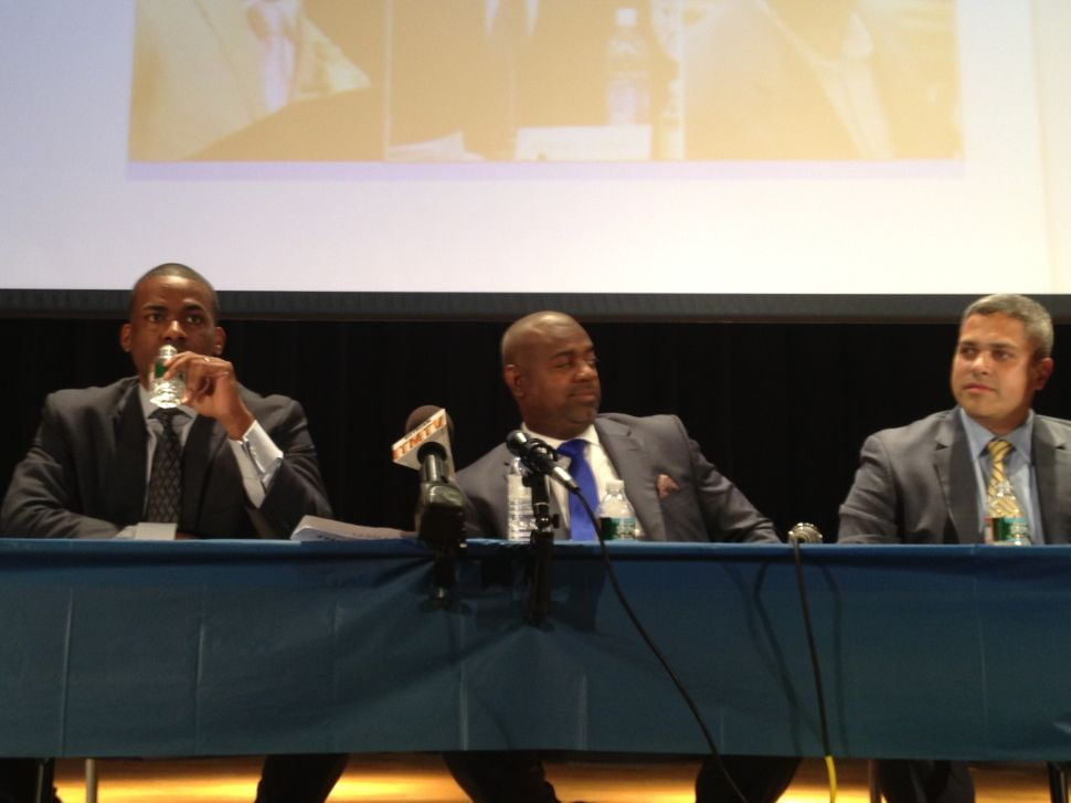 In Newark, the early pros and cons of the men intent on succeeding Booker