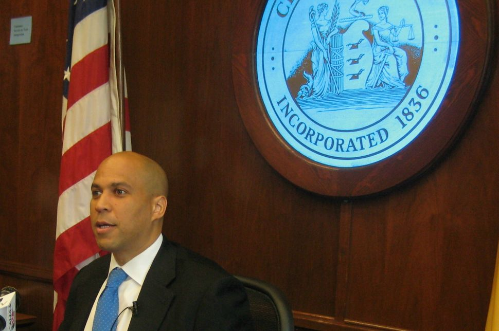 In fiscal crisis, Booker to reduce non-uniformed workers to 4-day work-week