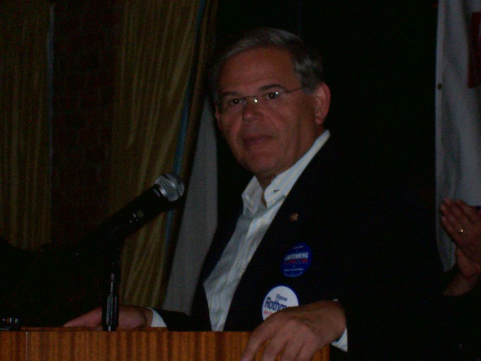 New Jersey leans on Obama for Menendez speaking role