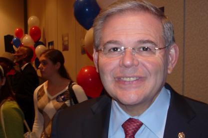 Menendez welcomes Franken to U.S. Senate