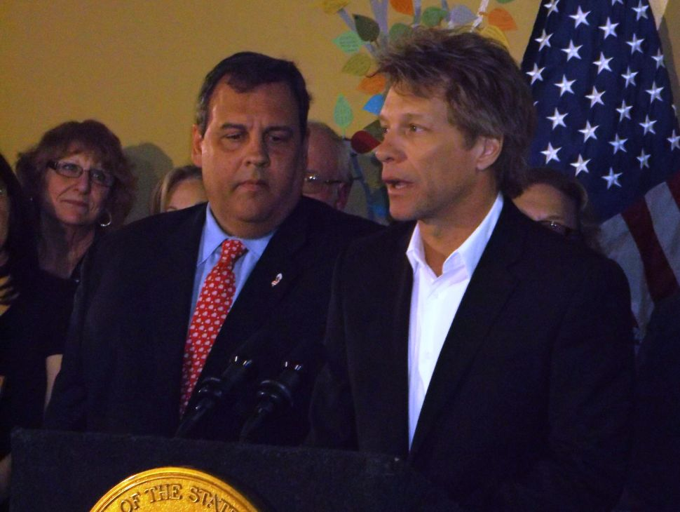 With Bon Jovi at his side, Christie signs bipartisan drug bill into law