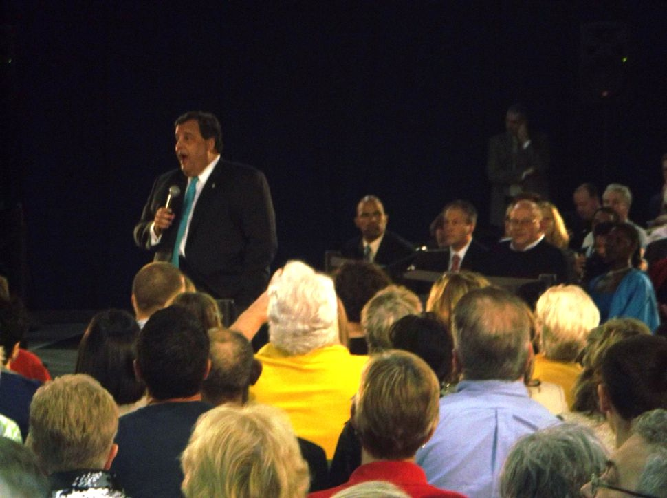 Christie jousts with teacher at town hall event