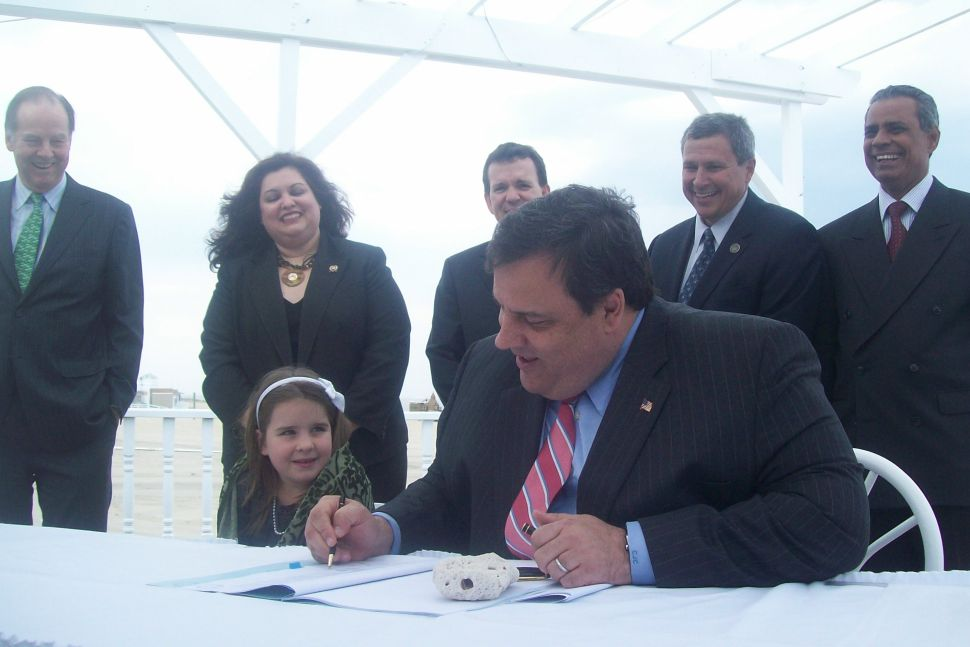 Christie honors Kean in Sea Bright, opposes liquified naural gas terminals