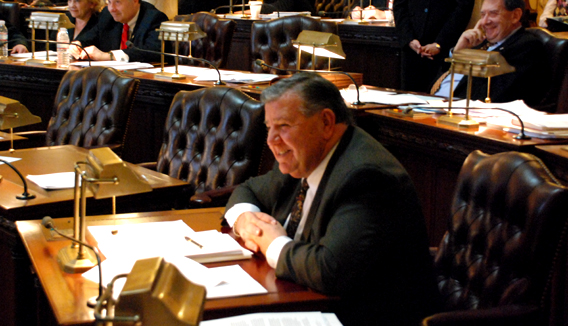 Senate Committee unanimously moves pension reform bills