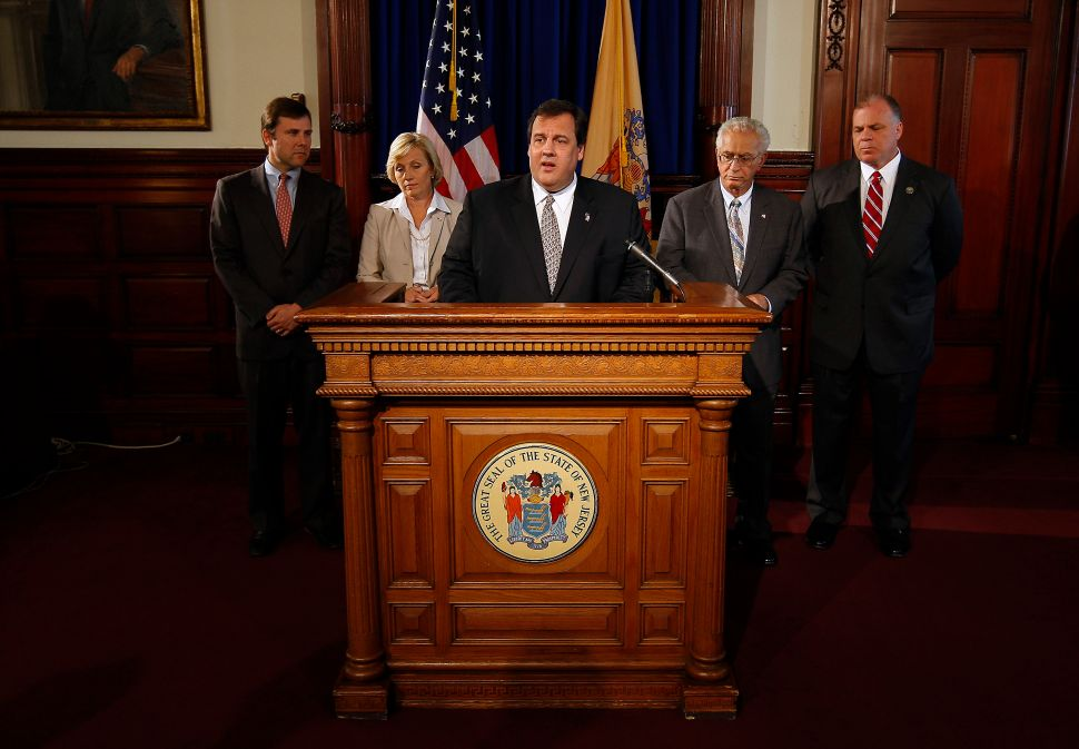 Monmouth Poll: Christie job approval at 44%