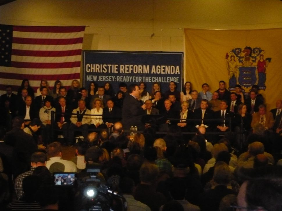 Scene setter: Christie holds town hall in Sussex County