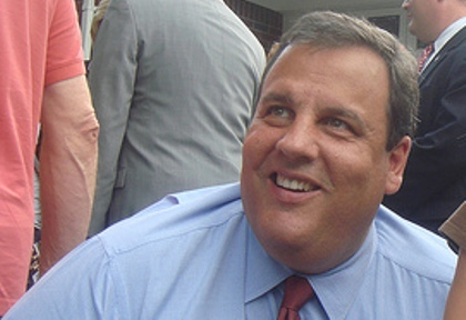 Poll: Christie leads 53%-38%