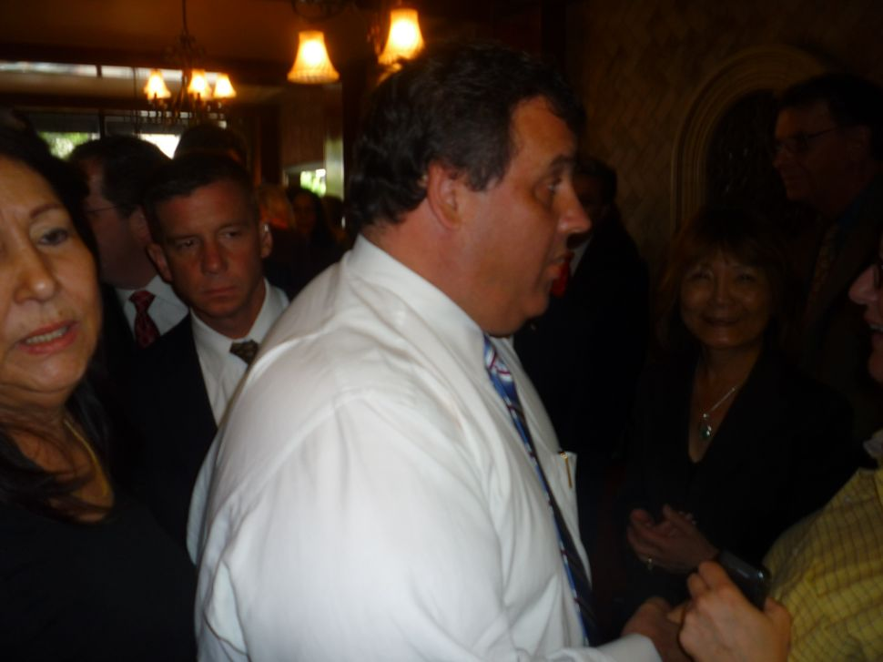 Christie on WNY appearance: 'It's not driven by politics'
