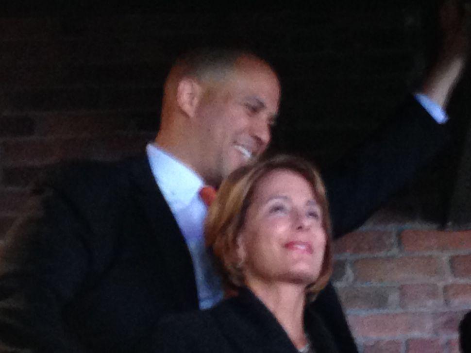 """Buono """"energized"""" by Booker support in Jersey City; U.S. Senator-elect backs Gordon in Bergen"""