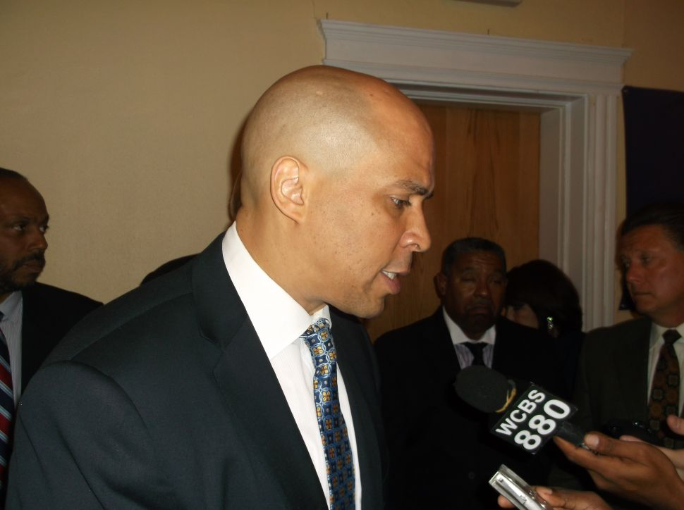 Booker to launch bus tour