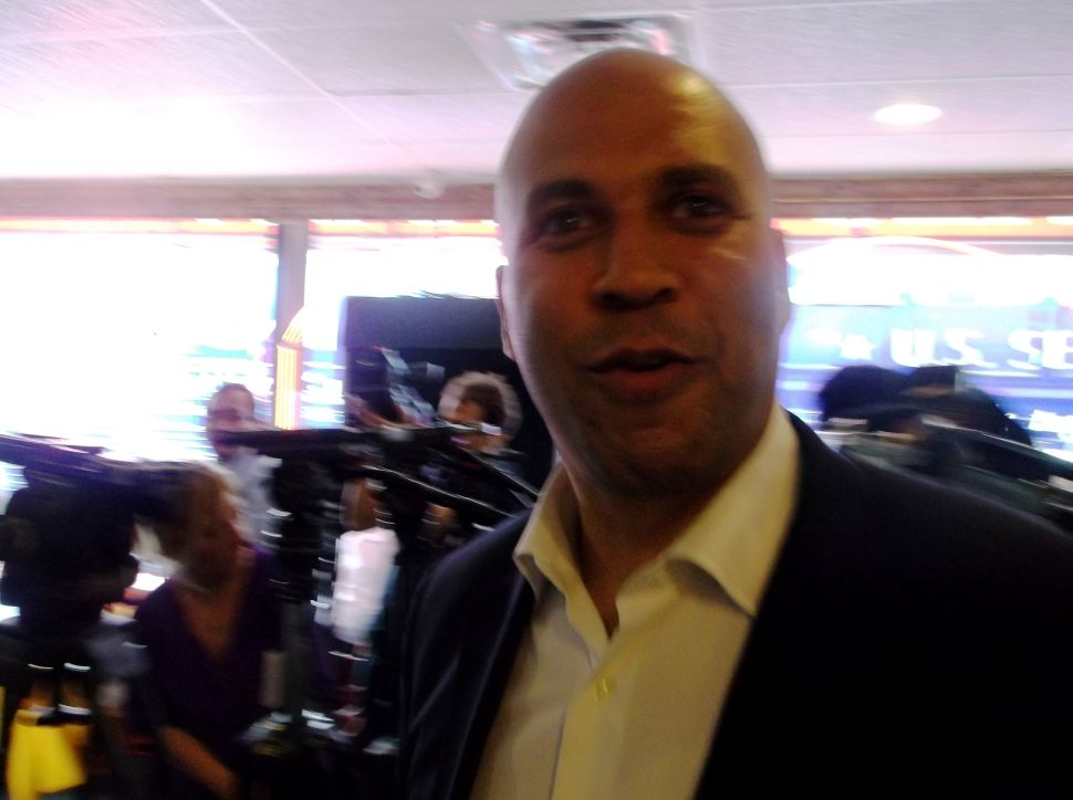 Sources: rain worries Booker allies who nonetheless don't see impact on final outcome